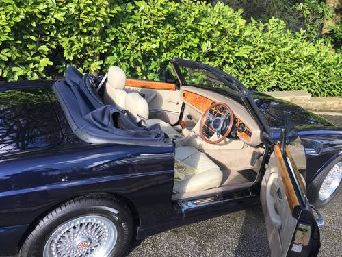 MG RV8 Oxford Blue - M reg For Sale (picture 3 of 6)