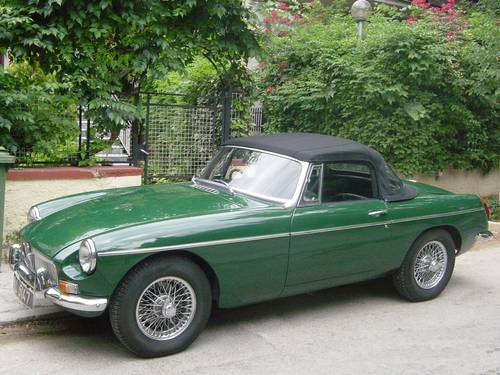 1971 MGB 1.8lt Roadster, older restoration For Sale (picture 1 of 6)