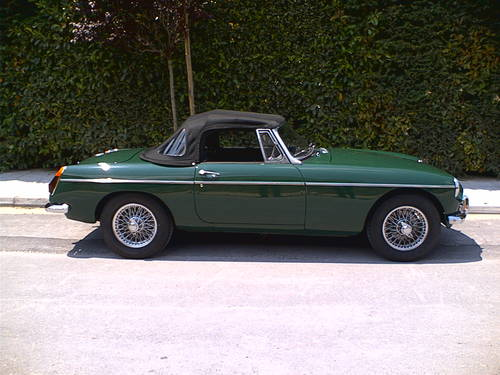 1971 MGB 1.8lt Roadster, older restoration For Sale (picture 3 of 6)