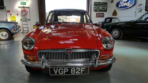 1968 Stunning and very rare MGC GT Automatic. SOLD (picture 4 of 6)