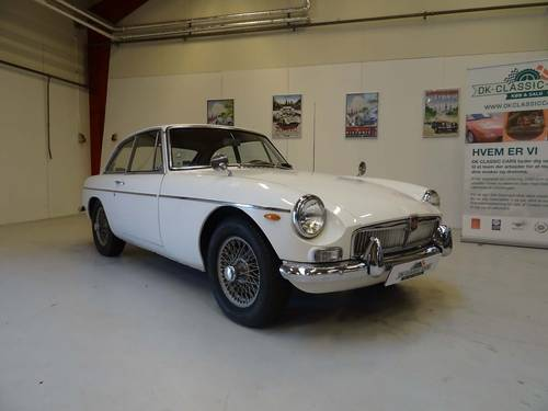 1967 MG MGB GT For Sale (picture 1 of 6)