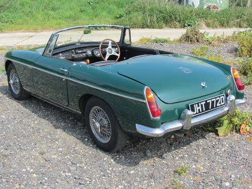 1966 MG B Roadster with overdrive SOLD (picture 4 of 6)