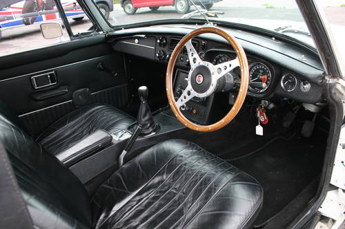 MGB 1972, 5-Speed gearbox, immaculate SOLD (picture 2 of 6)