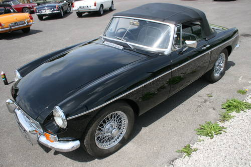 1967 MGB HERITAGE SHELL , black with 15'' chrome wires SOLD (picture 6 of 6)