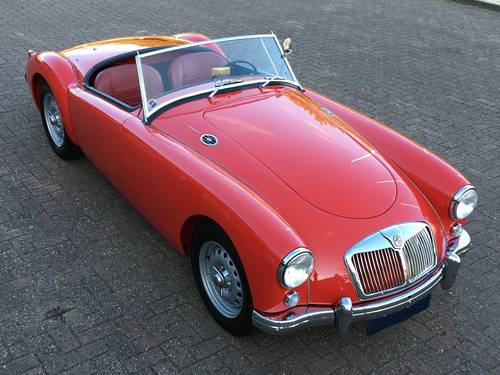1958 MGA TWIN CAM ROADSTER FULLY RESTORED SOLD (picture 2 of 6)