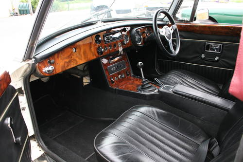1970 MGB HERITAGE SHELL, Chrome wires SOLD (picture 4 of 5)