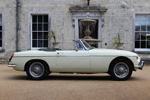 1967 MG C Roadster | Beautiful Clean Condition Throughout SOLD (picture 3 of 6)