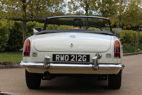 1967 MG C Roadster | Beautiful Clean Condition Throughout SOLD (picture 4 of 6)