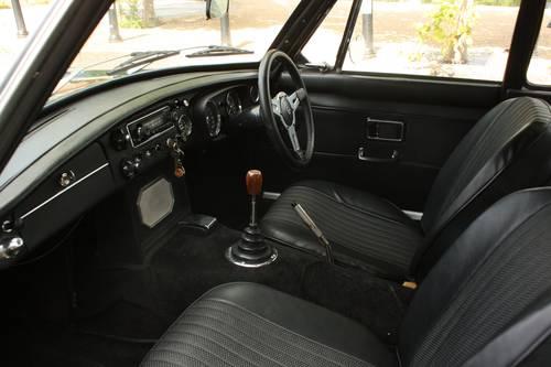 1970 MGB GT - BRG, Restored - MGBGT MG BGT SOLD (picture 3 of 6)