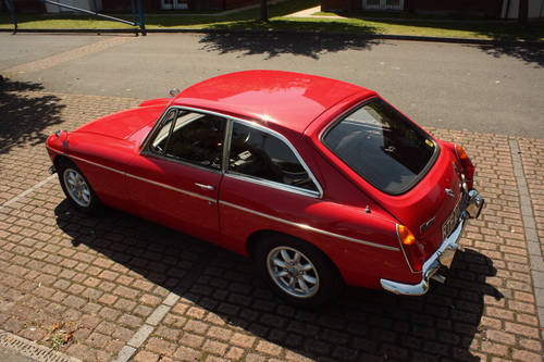 1972 MGB GT - Red, Restored - reliable car - MGBGT MG BGT SOLD (picture 2 of 6)