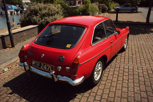 1972 MGB GT - Red, Restored - reliable car - MGBGT MG BGT SOLD (picture 3 of 6)