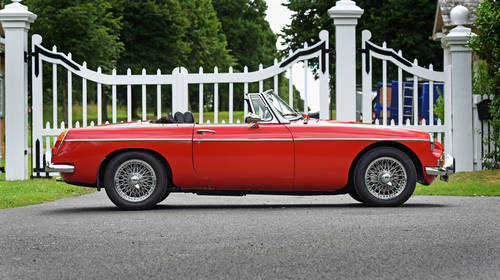 1972 MGB Roadster Red Chrome wire wheels Heritage Shell  SOLD (picture 2 of 6)
