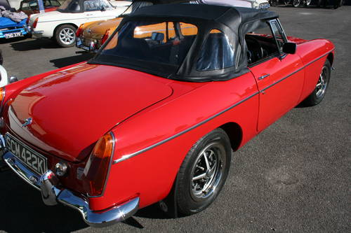 1972 MGB HERITAGE SHELL, Flame red, as new, show standard SOLD (picture 2 of 6)
