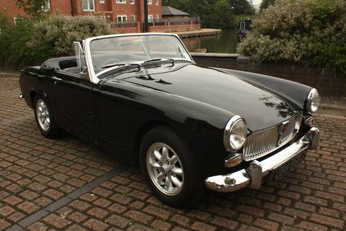 1970 MG Midget - Heritage Bodyshell, Fully Restored SOLD (picture 1 of 6)