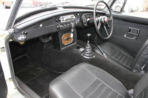 1969 MGC Roadster, the last MGC BUILT, UK car SOLD (picture 3 of 6)