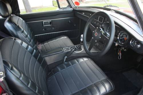1971 MGB Roadster - Damask Red, RACE SPEC ENGINE SOLD (picture 4 of 6)