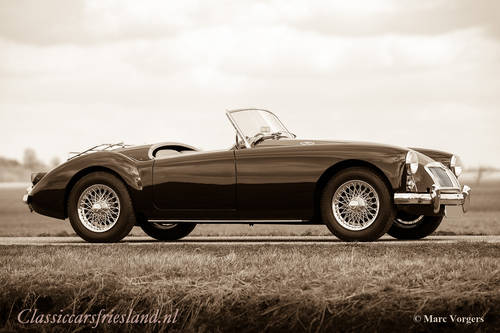 1960 MGA 1600 ROADSTER FULLY RESTORED SOLD (picture 1 of 1)