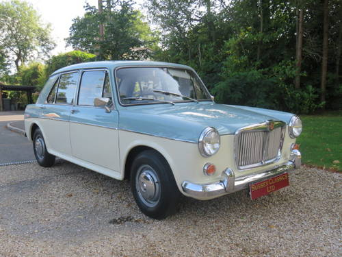 1966 MG 1100 Saloon (Credit/Debit Cards & Delivery) SOLD (picture 1 of 6)