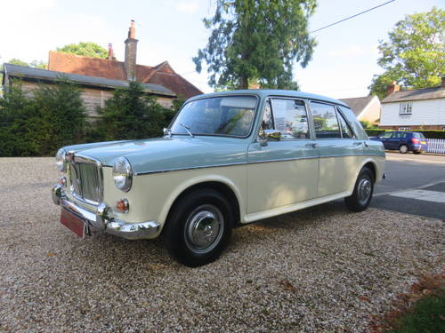 1966 MG 1100 Saloon (Credit/Debit Cards & Delivery) SOLD (picture 3 of 6)