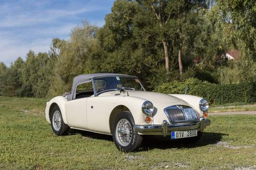 1959 MGA 1600 Roadster - Fully restored in immaculate condition SOLD (picture 1 of 6)