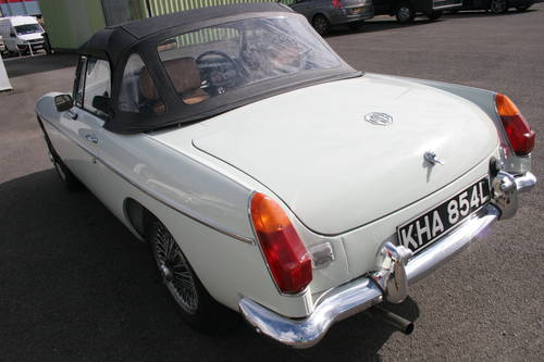 1973 MGB HERITAGE SHELL, 800 miles only SOLD (picture 2 of 6)