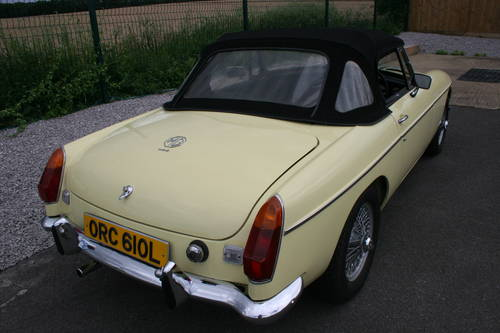 1972 MGB Heritage shell in primrose.  SOLD (picture 3 of 6)