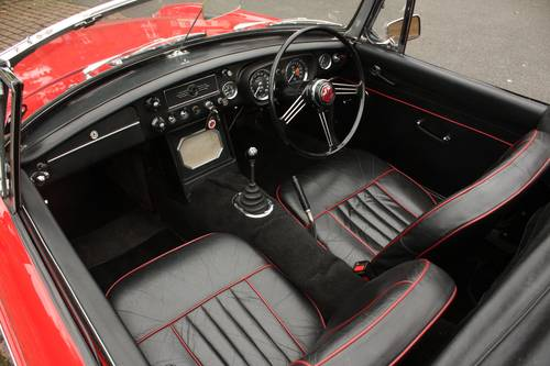 1968 Mk1 MGB Roadster - Tartan Red, Disc Wheels, Fully Restored SOLD (picture 3 of 6)