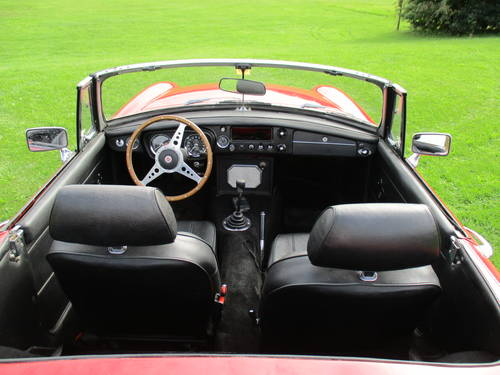 1971 MGB Roadster - Chrome Bumper - LHD - Overdrive SOLD (picture 5 of 6)
