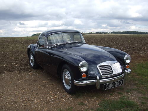 1960 MGA 1600MK1 COUPE UK RHD , RARE ITEM, SUPERB ORDER SOLD (picture 1 of 6)