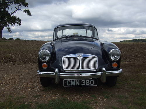 1960 MGA 1600MK1 COUPE UK RHD , RARE ITEM, SUPERB ORDER SOLD (picture 2 of 6)