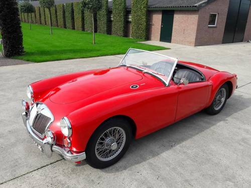 MGA 1600 1961 RED IN BEAUTIFULL CONDITION !!!!! SOLD (picture 1 of 6)