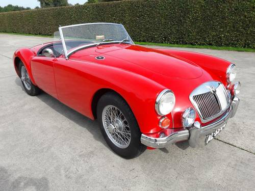MGA 1600 1961 RED IN BEAUTIFULL CONDITION !!!!! SOLD (picture 2 of 6)