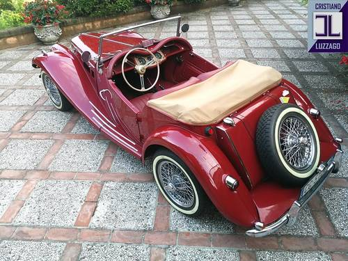 1954  TOTALLY RESTORED MG TF 1250  For Sale (picture 2 of 6)