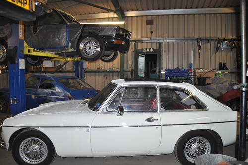 Classic car servicing and restoration only £30 per hour   (picture 6 of 6)