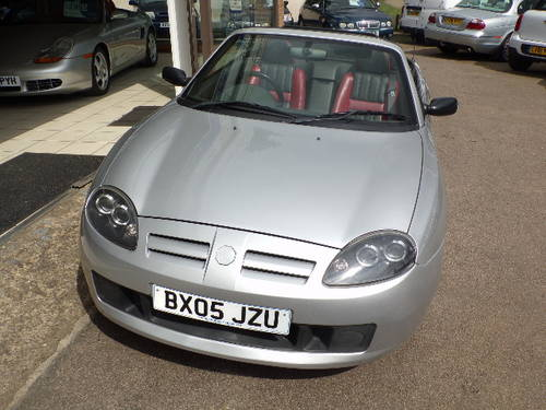 MG TF 1.6 SPORTS CONVERTIBLE 2DR 66500 MILES SILVER 2005/05 For Sale (picture 4 of 6)