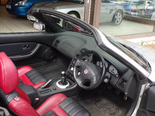 MG TF 1.6 SPORTS CONVERTIBLE 2DR 66500 MILES SILVER 2005/05 For Sale (picture 5 of 6)