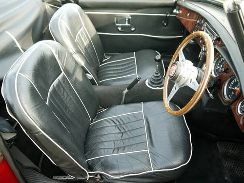 1968 MGC Roadster Manual with Overdrive SOLD (picture 5 of 6)
