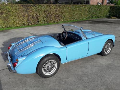 MGA BLEU 1959 1600CC BEAUTIFUL CAR. SOLD (picture 3 of 6)