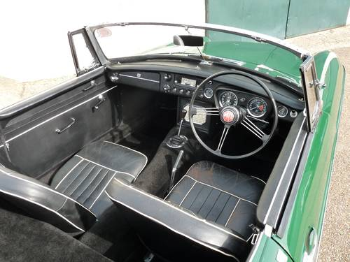 1963 MGB roadster Mk1, 'pull handle', SOLD SOLD (picture 3 of 6)