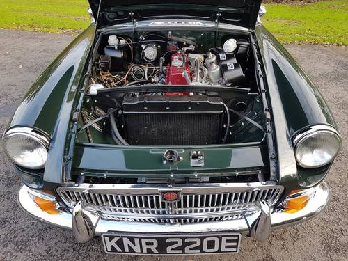 1967 MGB Roadster, Fresh Nut & Bolt Restoration, Exceptional SOLD (picture 4 of 6)
