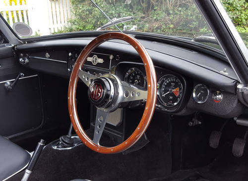 1967 MGB Roadster, Fresh Nut & Bolt Restoration, Exceptional SOLD (picture 5 of 6)