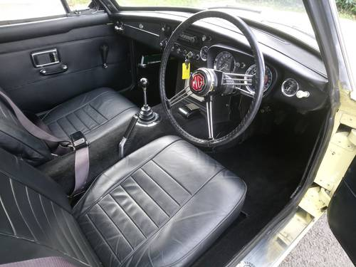 1969 MGC GT Restored Yellow with Black leather interior SOLD (picture 5 of 6)
