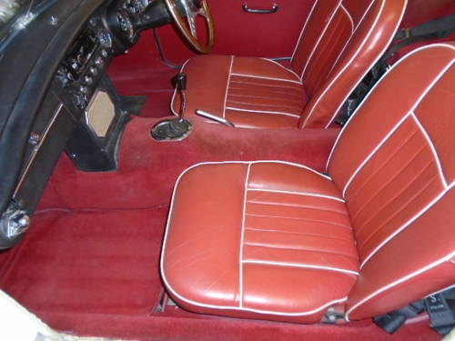1964 MG B Roadster (early pull handle model) For Sale (picture 4 of 6)