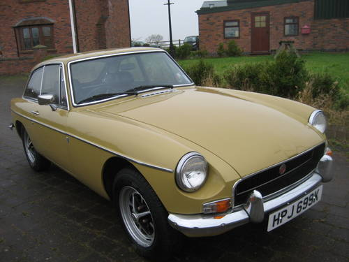 1971 MGB GT  SOLD (picture 2 of 6)