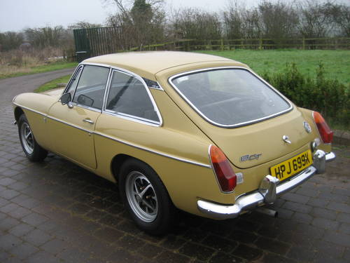 1971 MGB GT  SOLD (picture 4 of 6)