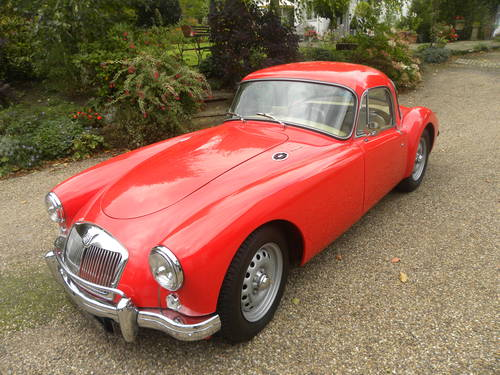 1959 MG A TWIN CAM. 5 SPEED GEARBOX.AWARD WINNIN G SOLD (picture 1 of 6)