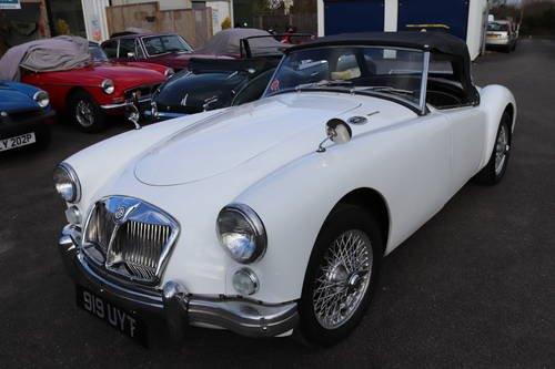 MGA 1600 Mk2 , 1962 SOLD (picture 1 of 5)