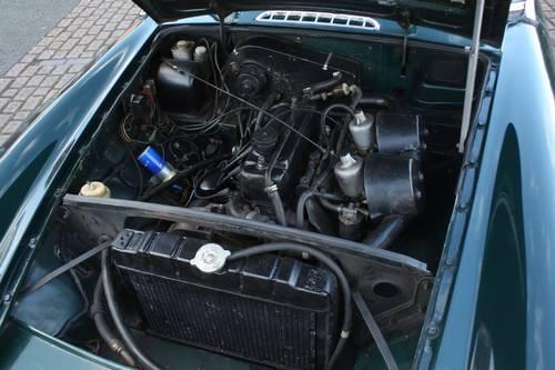 1972 MGB Roadster - Green, older restoration - Very good order SOLD (picture 5 of 6)