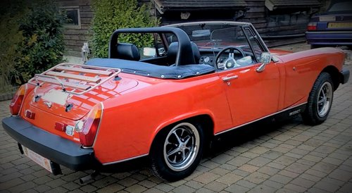 1978 Stunning Red MG Midget hire: Driver Experience Gift Vouchers For Sale (picture 1 of 6)