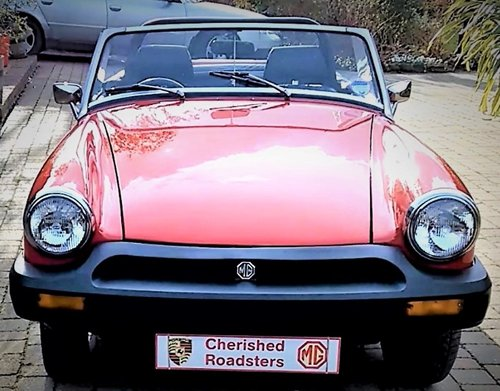 1978 Stunning Red MG Midget hire: Driver Experience Gift Vouchers For Sale (picture 5 of 6)